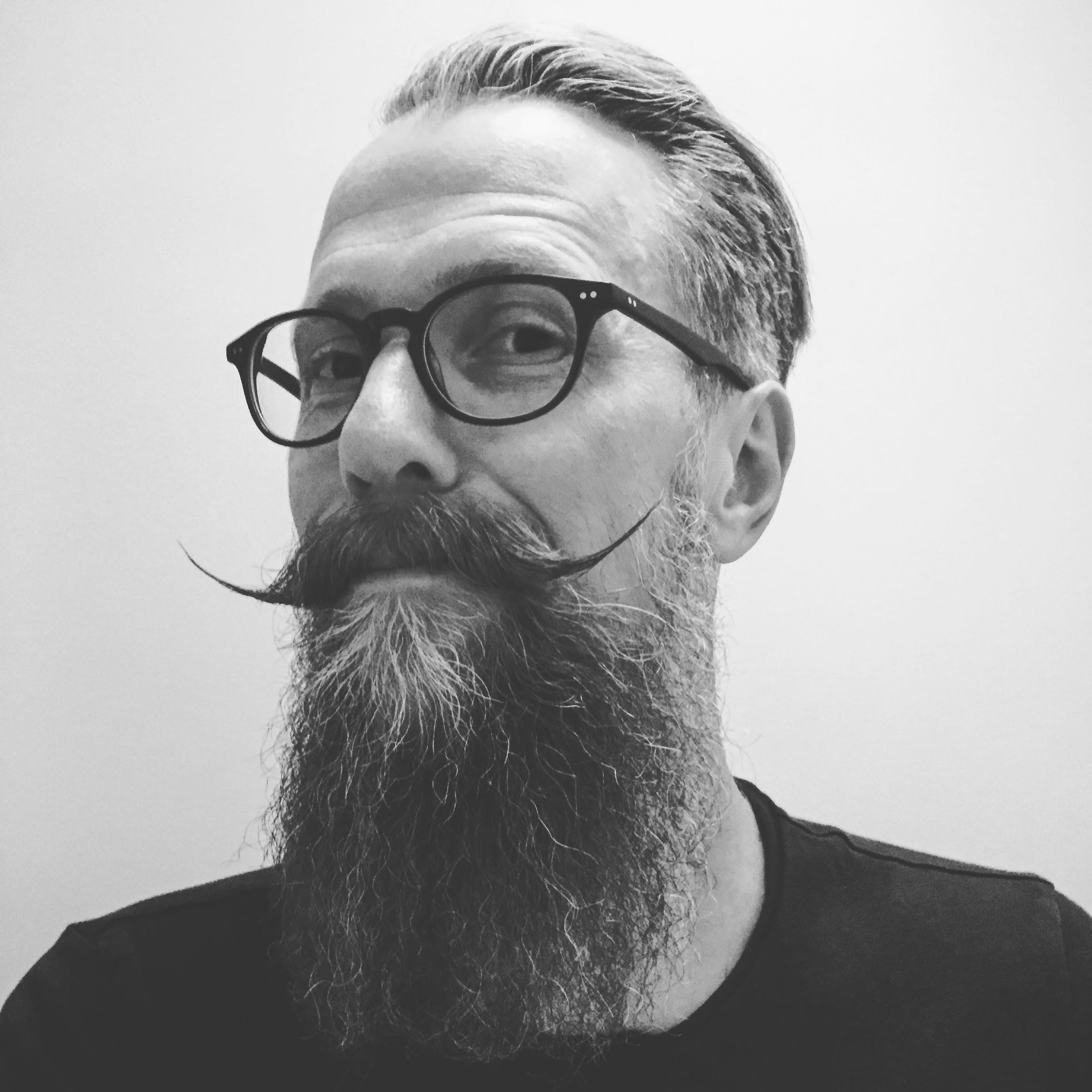 hvordan få skjegg til å gro raskere